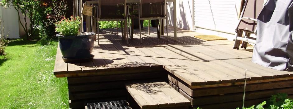 Holz-Terrasse in Nutzung