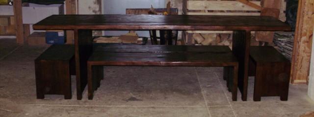 Massivholztisch mit 4 Bänken- Maßanfertigung