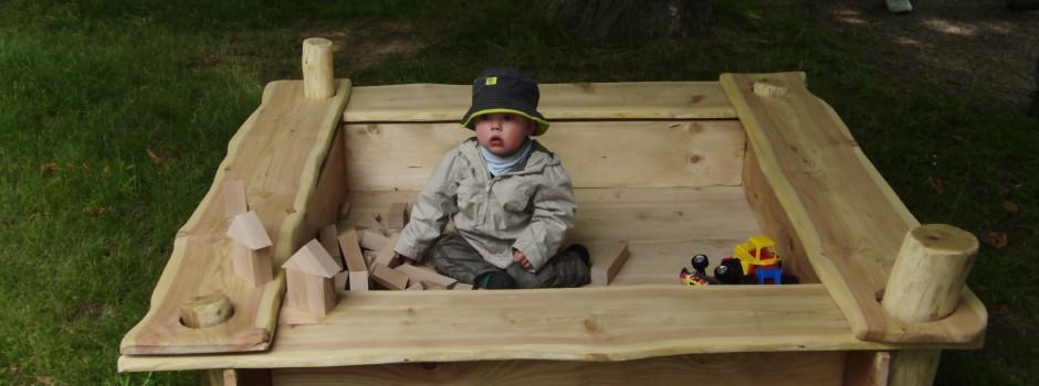 Holzsandkasten