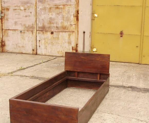 Massivholzbett aus zwei Teilen - maßgefertigt - Ansicht einer Betthälfte - Einzelbett